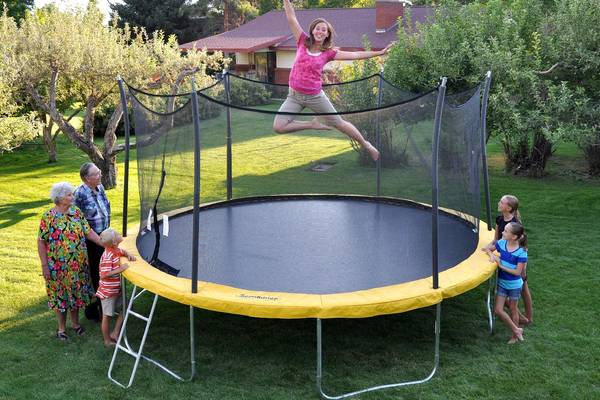 12-ft-or-15-ft-trampoline-gettrampoline.com