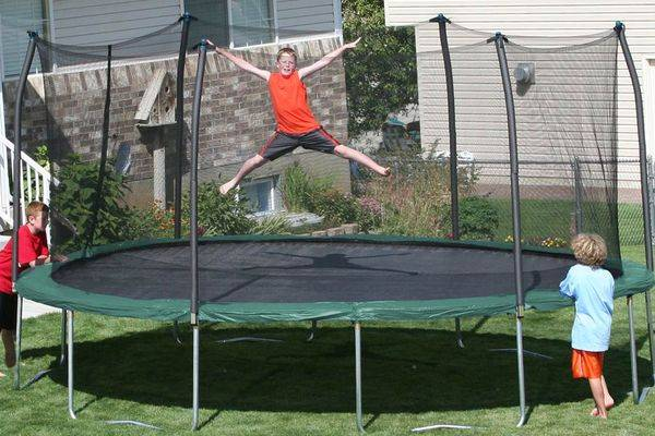 18-foot-trampolines-for-sale-gettrampoline.com