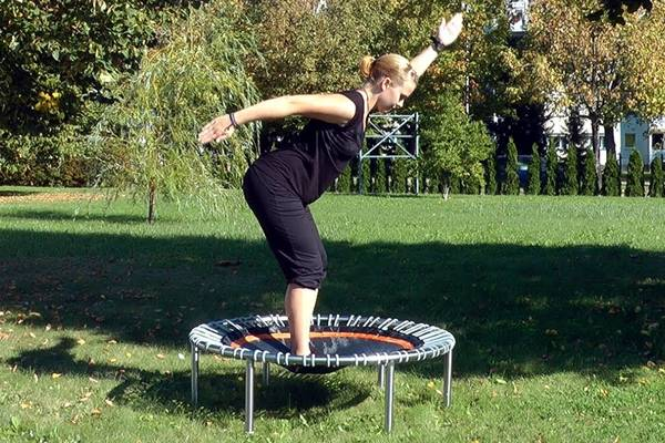 benefits-of-using-a-rebounder-mini-trampoline-gettrampoline.com