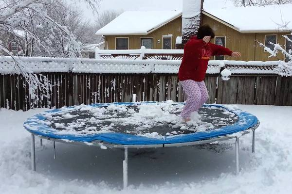 winterizing-trampoline-with-snow-gettrampoline.com