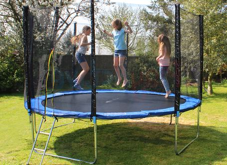 Trampoline-Sizes-average-standard-small-full-size-kids