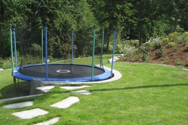 Trampoline-on-sloped-ground