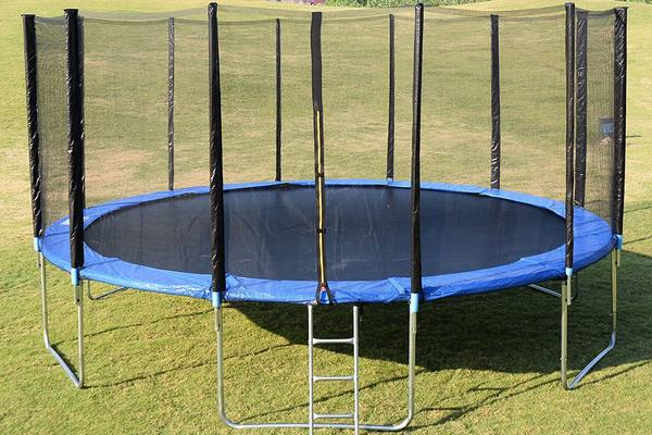 giantex-trampoline-review-featured