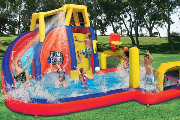 inflatable-water-park-featured