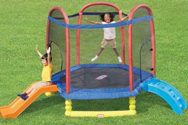 Little-Tikes-Trampoline-Review