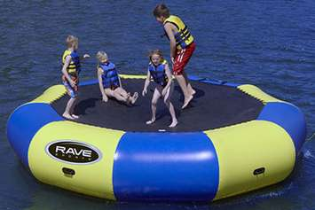 Can-you-use-a-water-trampoline-on-land