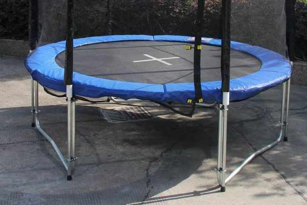 Soft-rubber-base-for-Trampoline-On-Concrete