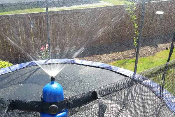 Trampoline-sprinkler-water-sprayer-misting-system