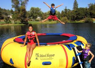 Water-Bouncer-Vs-Trampoline