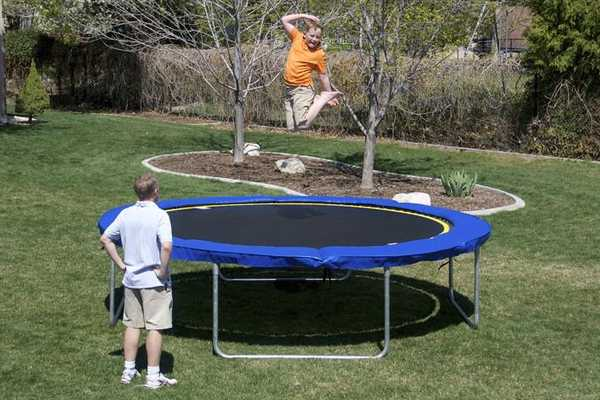 best-trampoline-under-100-200-dollars