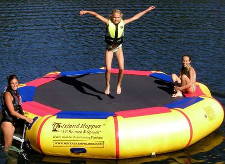 best-water-trampoline-island-hopper-bounce-and-splash-13-foot