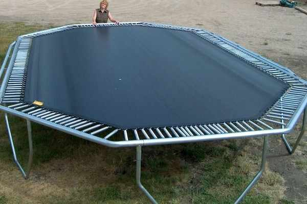 Biggest-Trampoline-in-the-world-for-sale-park