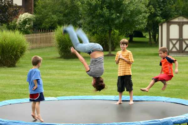 Recommended-Age-For-Trampolines