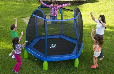 Recommended-trampoline-for-4-year-old