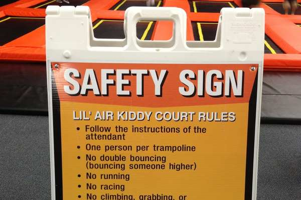 trampoline-rules-sign