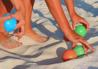 Best-Bocce-Ball-Set-SeaTurtle-Sports-Luxury-Beach-on-sand-opt