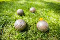bocce-ball-rules-on-grass