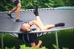 have-you-experienced-upper-back-pain-on-a-trampoline
