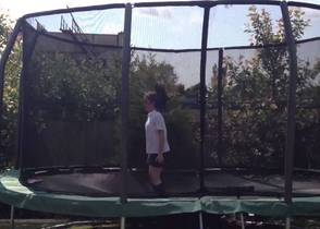 oval-jumpking-trampoline