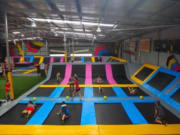 trampoline-places-for-birthday-parties