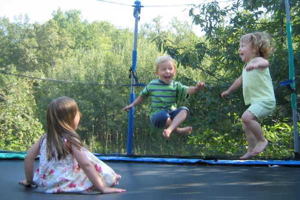 Pros-and-Cons-of-Trampolines
