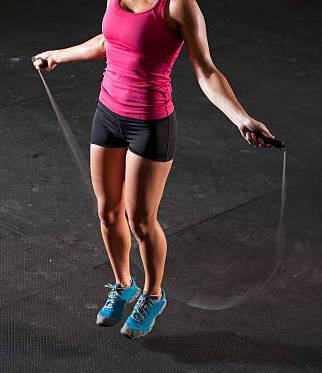 benefits-of-jumping-rope-on-a-trampoline