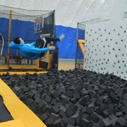 Best-Trampoline-Park-for-Adults