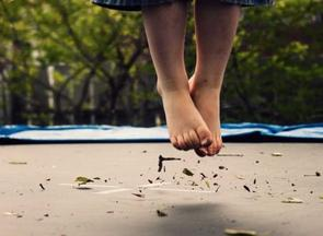 The-causes-of-trampoline-black-feet
